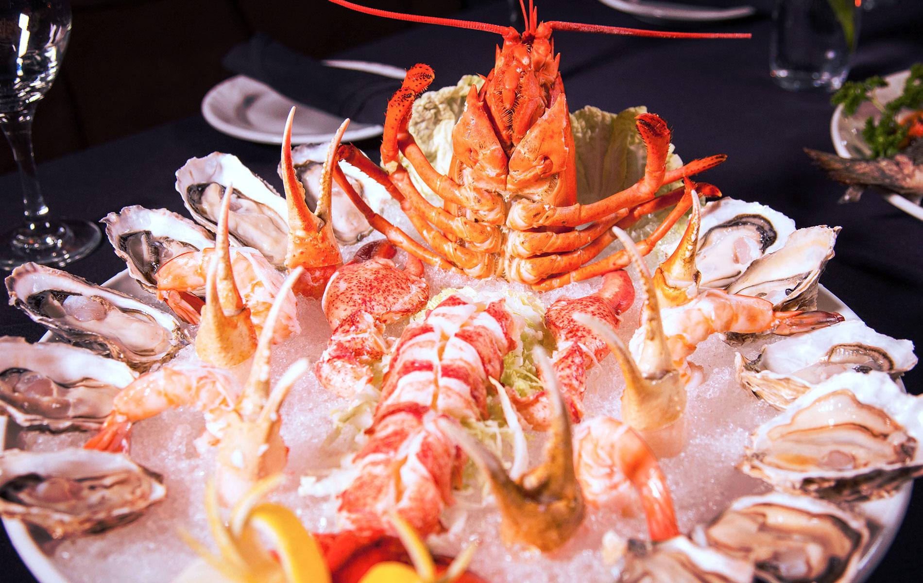Zin-Bistro-7_Chilled-Seafood-Platter-1900x1200